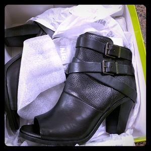 Gianni Bini.   Boots 👢